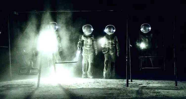400-days-2015-space-film