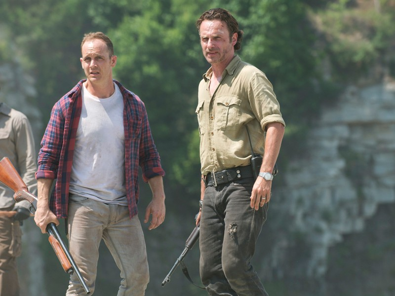 Lennie-James-Ethan-Embry-and-Andrew-Lincoln-Andrew-Lincoln-in-The-Walking-Dead-Season-6-Episode-1