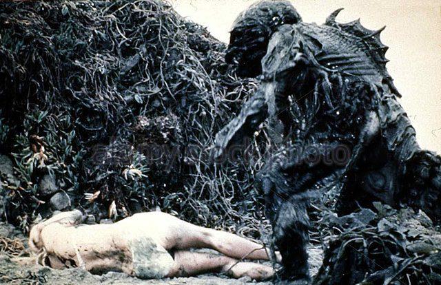 das-grauen-aus-der-tiefe-humanoids-from-deep-in-einem-kstenstdtchen-d1n5g8