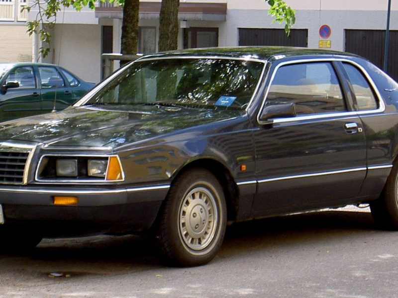 Ford_Thunderbird_1983-1987_Aero_Bird-1